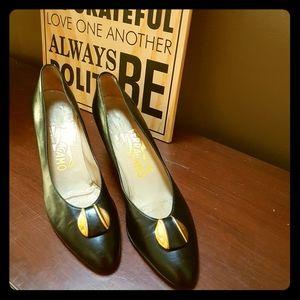 Vintage Salvatore Ferragamo leather pumps 7